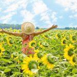 Woman_sunflowers